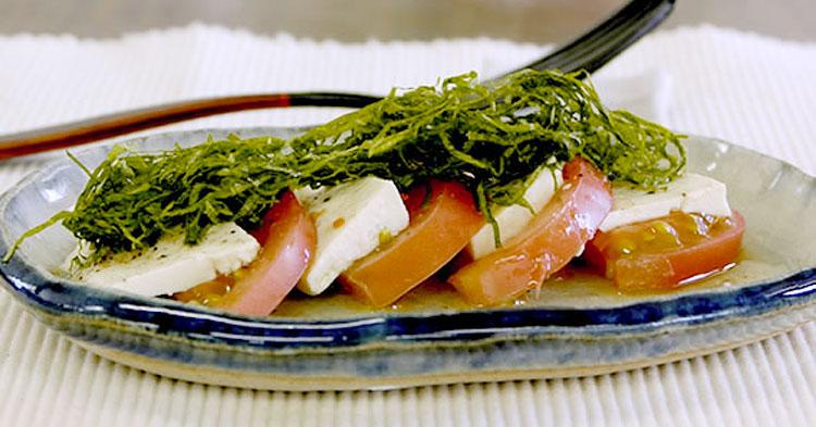 お豆腐のモッツァレラチーズ風 トマトサラダ