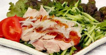ゆで豚たっぷり野菜添え