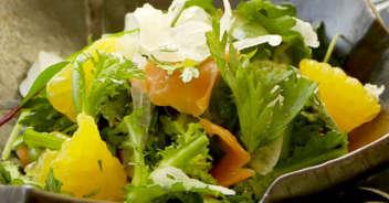 甘夏とスモークサーモンの春サラダ