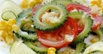 ゴーヤとトマトの夏サラダ