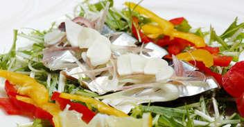 新ニンニクとカツオのサラダ