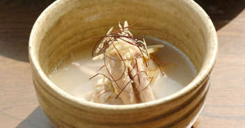コラーゲンたっぷりの手羽先としょうがのスープ
