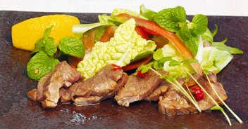 アジアンテイストな牛肉のたたき