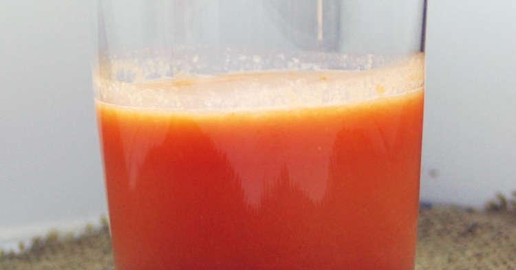 オレンジと人参とキャベツのジュース
