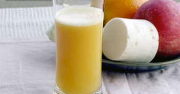 キャベツと大根と甘夏とリンゴのジュース