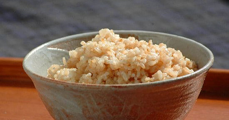 玄米の残留農薬と安全性、健康への影響について