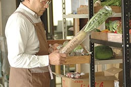 生産者様には、おいしい野菜を作ることに専念していただきたい